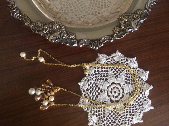 Seahorse crystal color necklace.