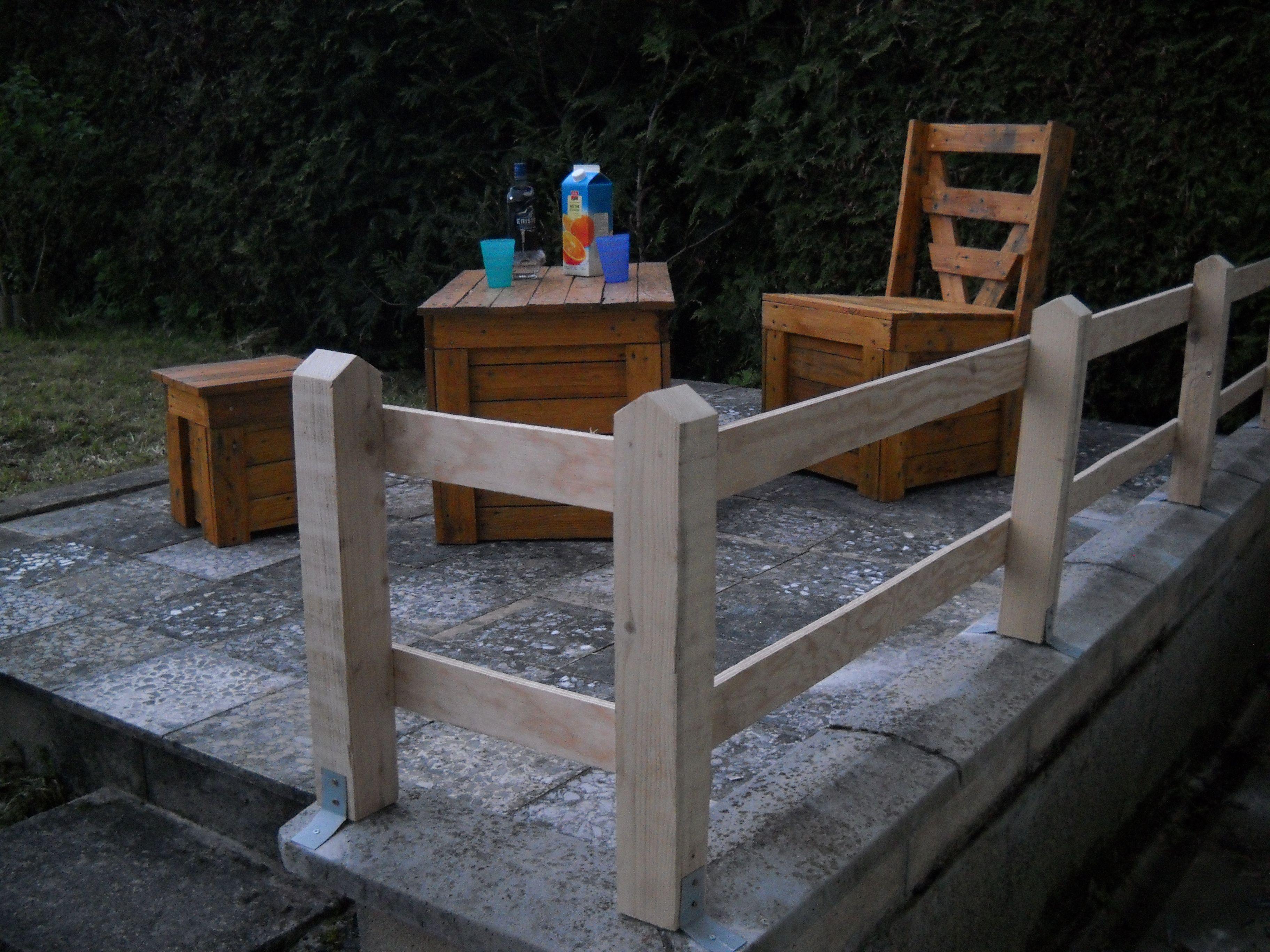 Salon de jardin vernis en planche de palette récup ...