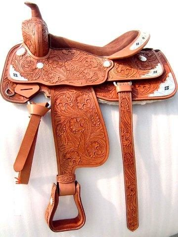Si quieres materiales para hacer tus monturas de caballo for Monturas para caballos