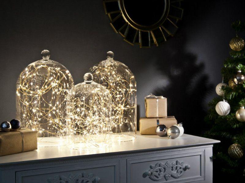 3 cloches 3 mises en sc ne no l vitrines et luminaires. Black Bedroom Furniture Sets. Home Design Ideas