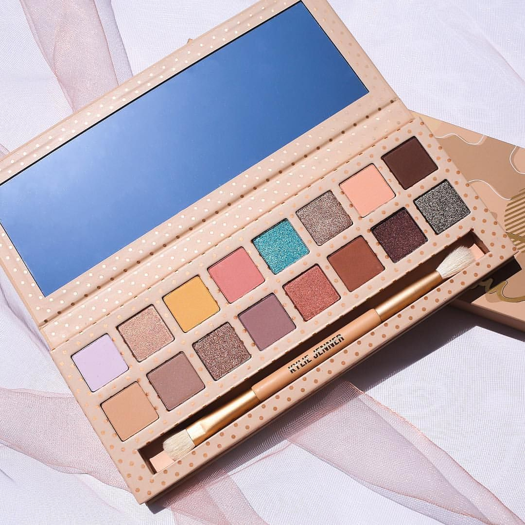Kyshadow - Take Me On Vacation Palette by Kylie Cosmetics #11