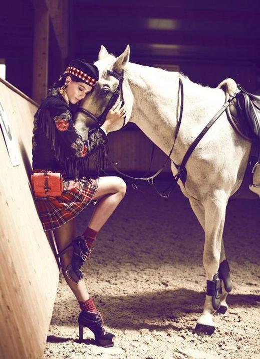 Https S Media Cache Ak0 Pinimg Com 736x Cb 99 Ef Cb99efcaedc726b64e19c61d15ea12a2 Jpg Equestrian Outfits Horse Fashion Equestrian Style