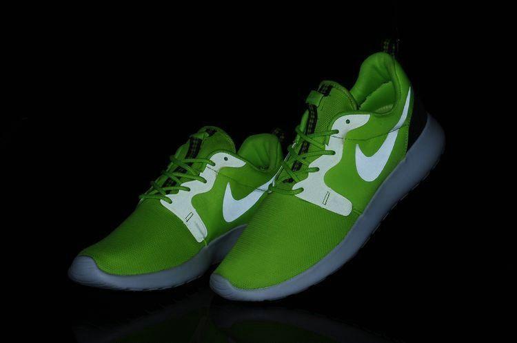 128ad08ec751 Where To Buy 2018 Nike Volt Roshe Run HYP Mens 636220 700