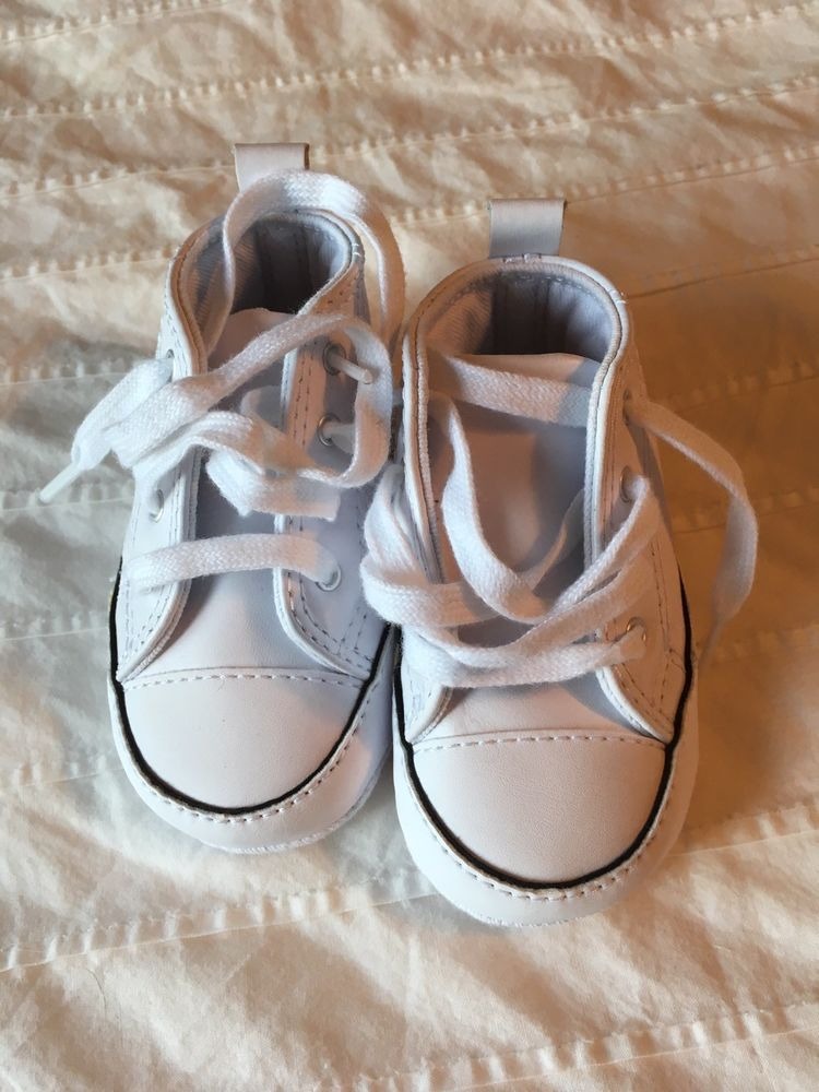 9277ea58c9574c Converse All Star Infant Crib shoes size 4 classic white leather soft soles  GUC  fashion