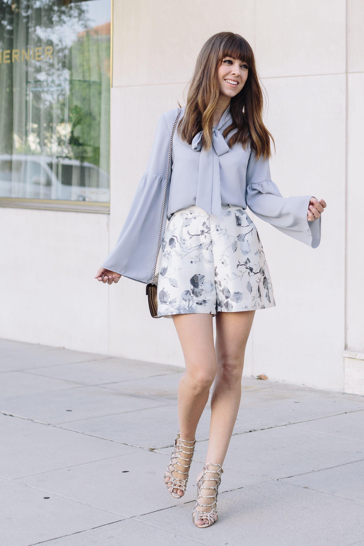 2be8d6c4dd2b ROMANTIC summer   lt blue blouse  floral shorts Inspiração Fashion