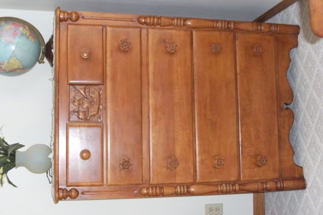 Collectibles General (Antiques)/virginia House Maple Furniture