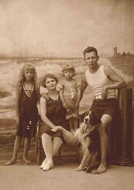 bathing suits again | Vintage beach photos, Vintage family