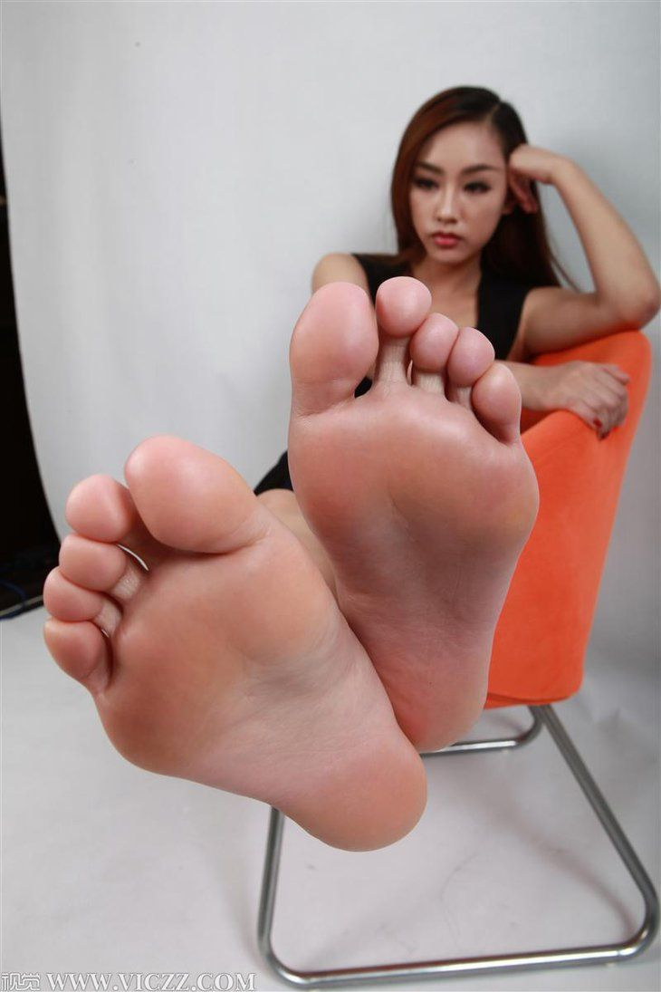 Asian foot girl picture