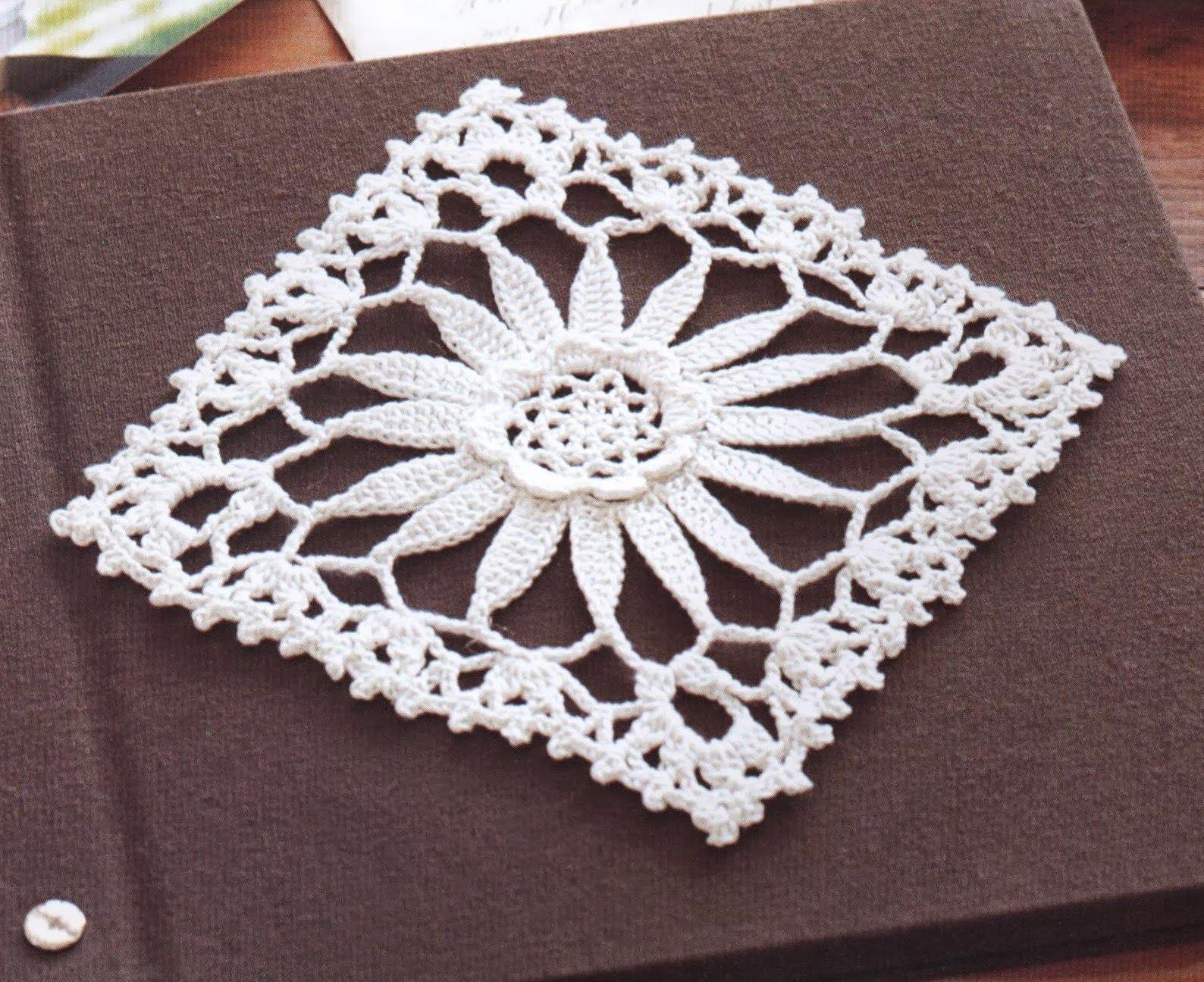 Quadrado Com Flor De Crochê | Häckeln, Muster und Handarbeiten