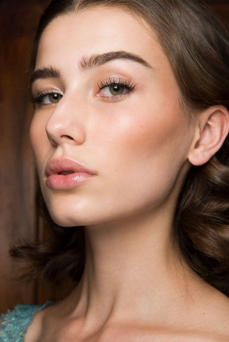 These 15 natural eye makeup ideas will make you look younger