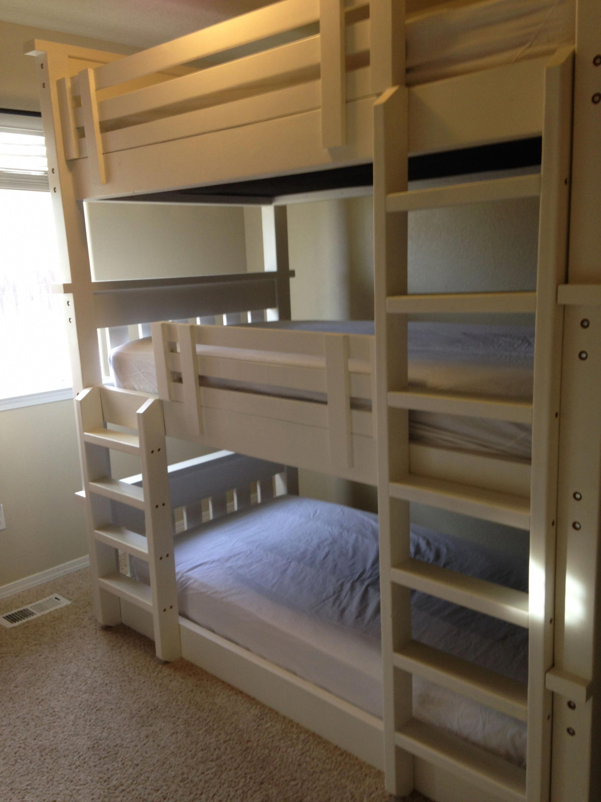 Loft bed ideas for small spaces  Conserving Space And Staying Trendy With Triple Bunk Beds  Triple