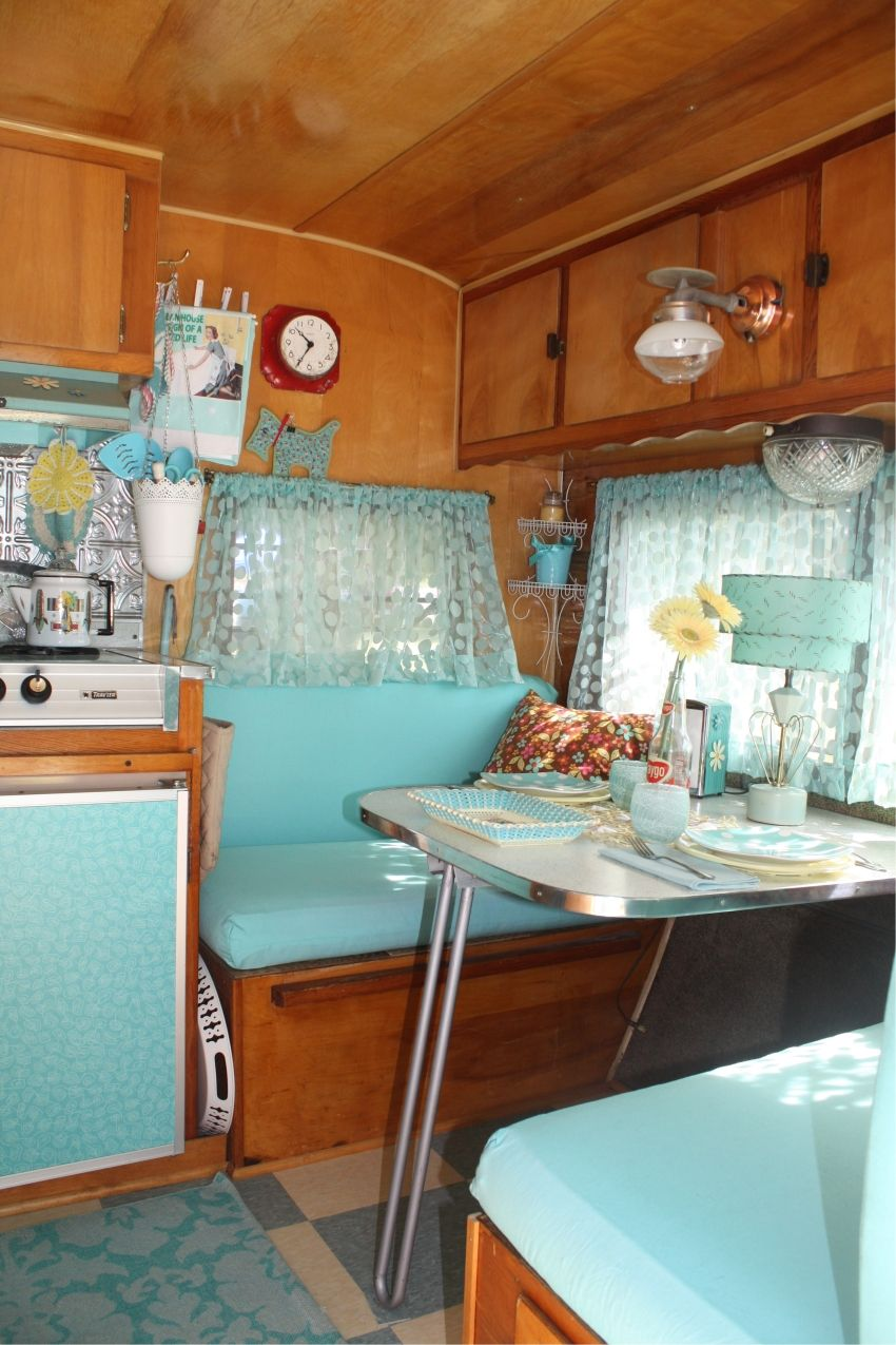 Retro camper curtains - Vintage Trailer Tumblr This Has Such A Springtime Feel To It Absolutely Love It Vintage Campers Pinterest Vintage Trailers Vintage And Camping