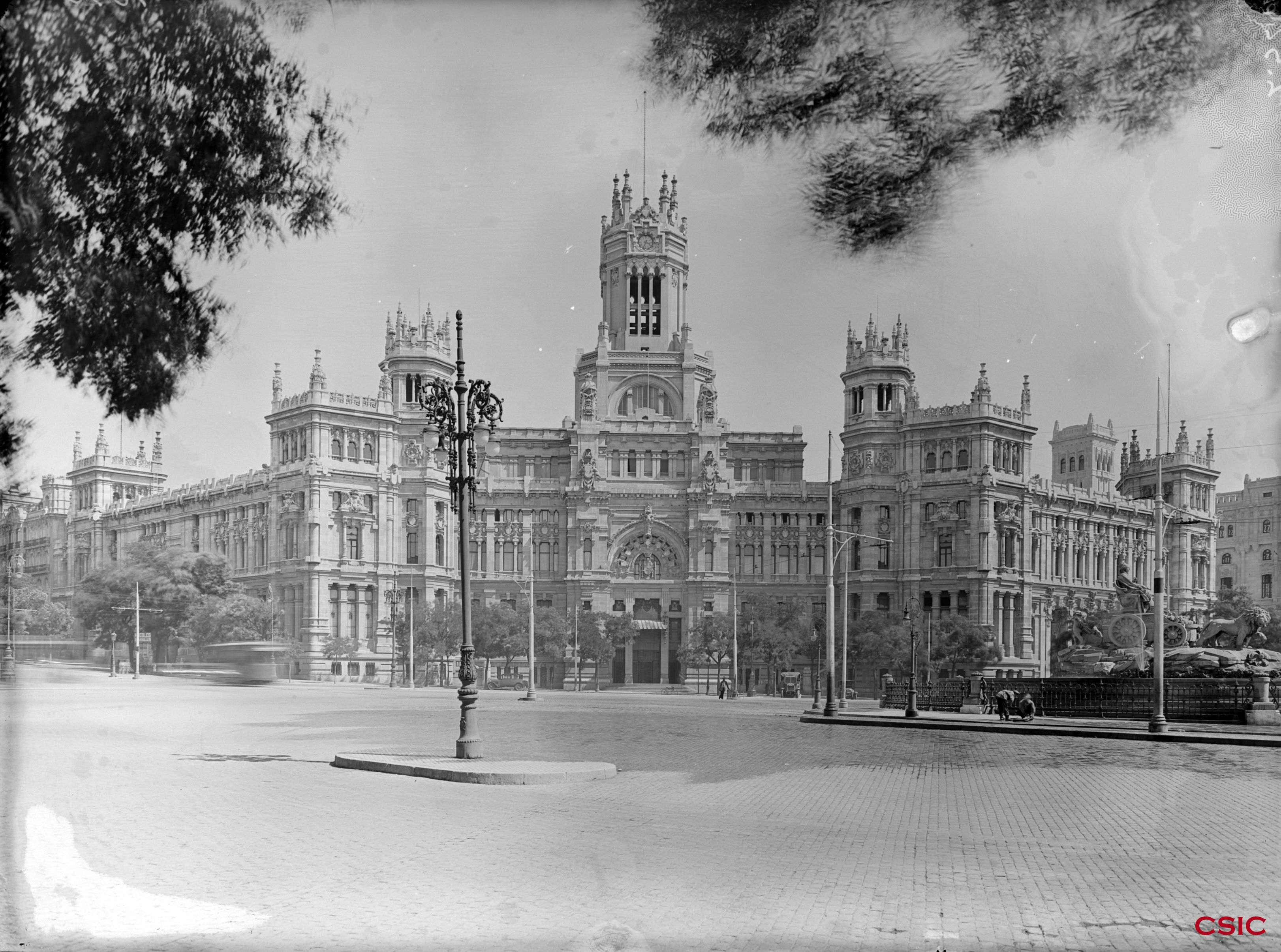 Palacio De Comunicaciones En La Plaza De La Cibeles Archivo
