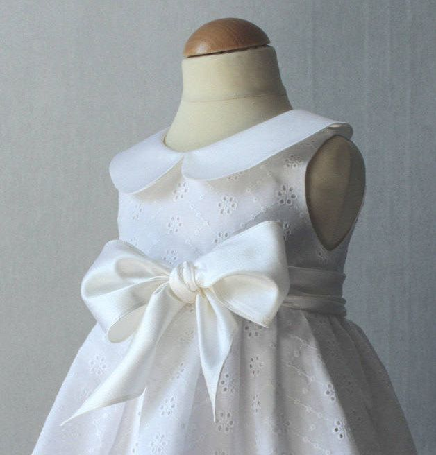 Robe blanche en coton pour fille