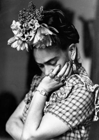 5 Frida Kahlo-Inspired Beauty Tips