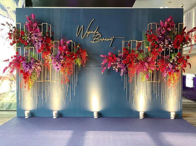 "Wedding Flowers & Decoration on Instagram: ""Backdrop #hugweddingplanner #ommee_floral #thaiwedding"""