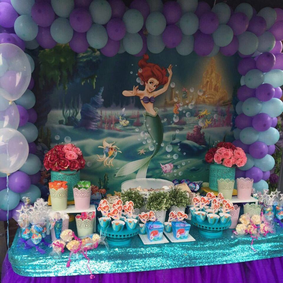 Beautiful birthday decoration from Piatas en Tutus using our Little