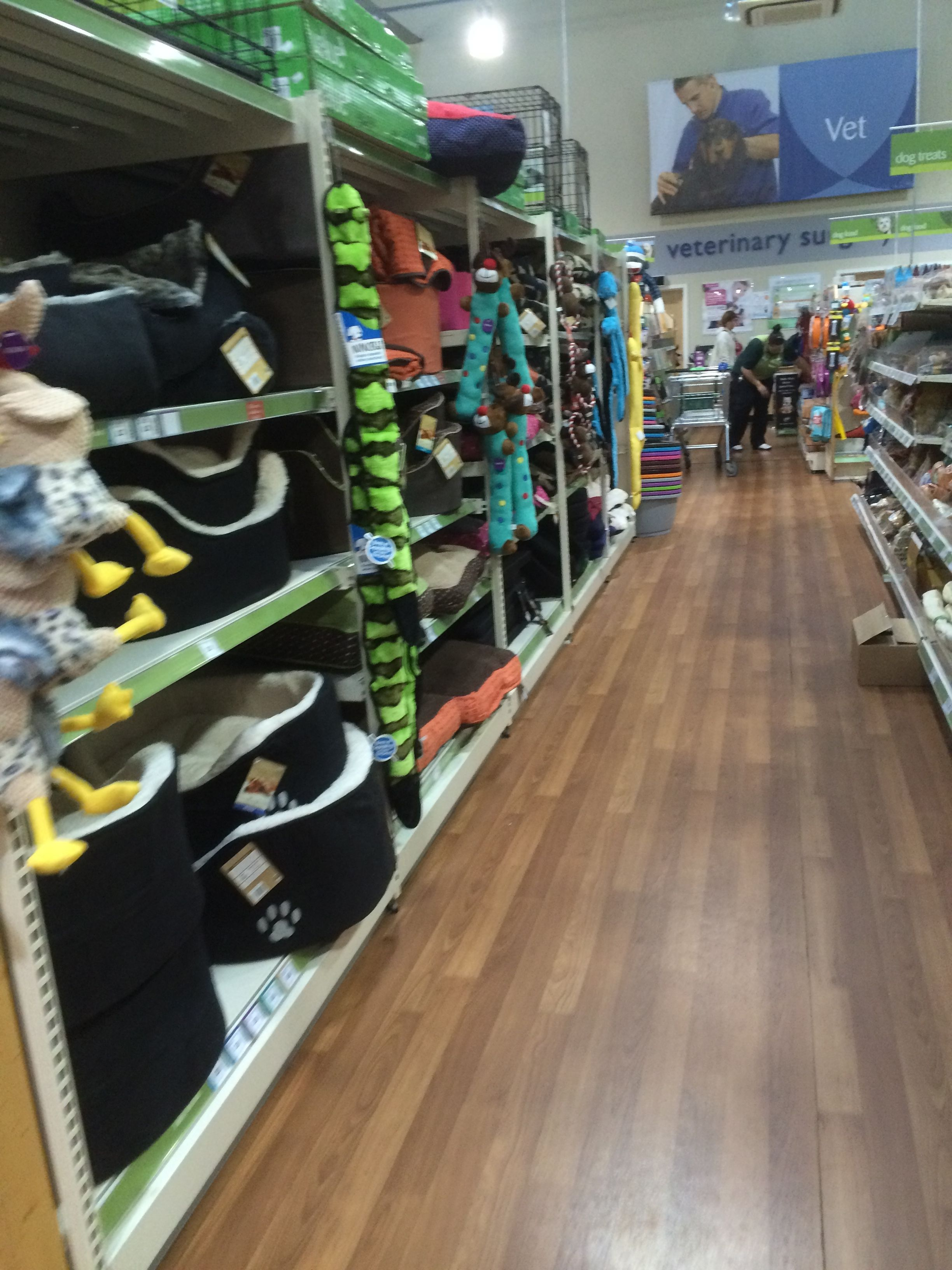 Pets At Home Netherfield Nottingham Pet Shop Pet Services Vets Grooming Layout Landscape Cust Animal House Visual Merchandising Robust Design