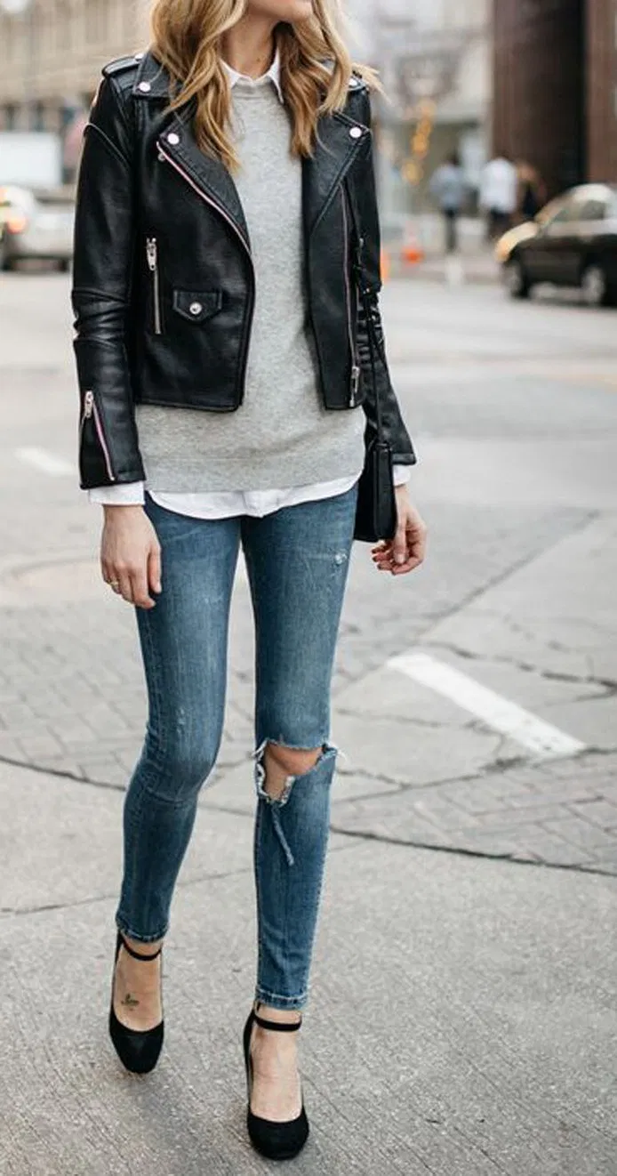 25 Simple Winter Outfit Ideas With Jeans 25 In 2020 Black Leather Jacket Outfit Jacket Outfit Women Leather Jacket Outfits