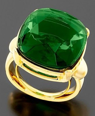 My emerald green ring <3