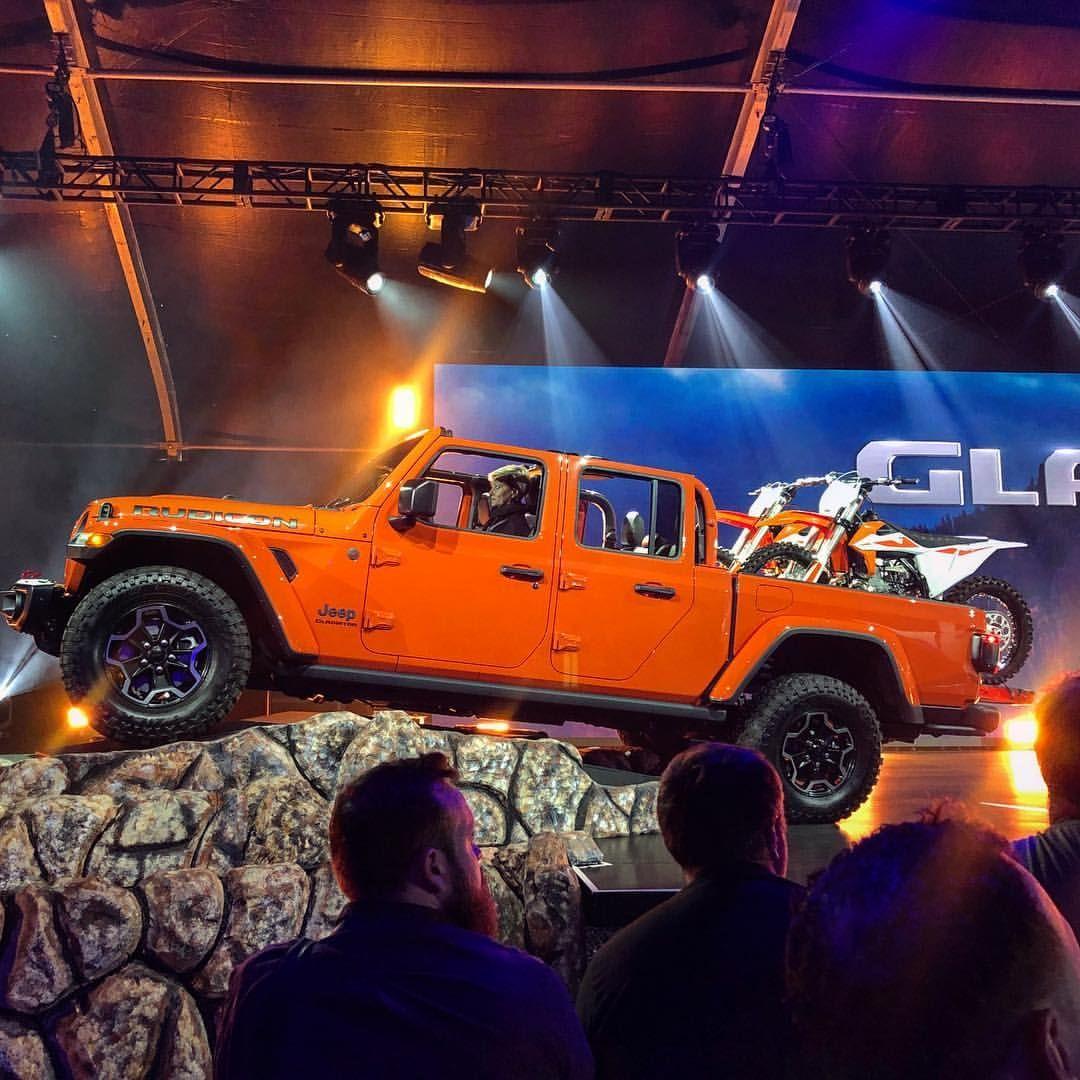 There Ya Go Folks The New Jeep Gladiator Rubicon Jeepgladiator Rebeloffroad Jeep Jeepjl Jeepjt Jeepwrangler Offroad Jeep Gladiator Jeep Jl Jeep Truck
