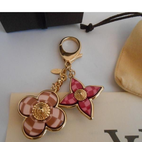 Tip: Louis Vuitton Jewelry (Multicolored)