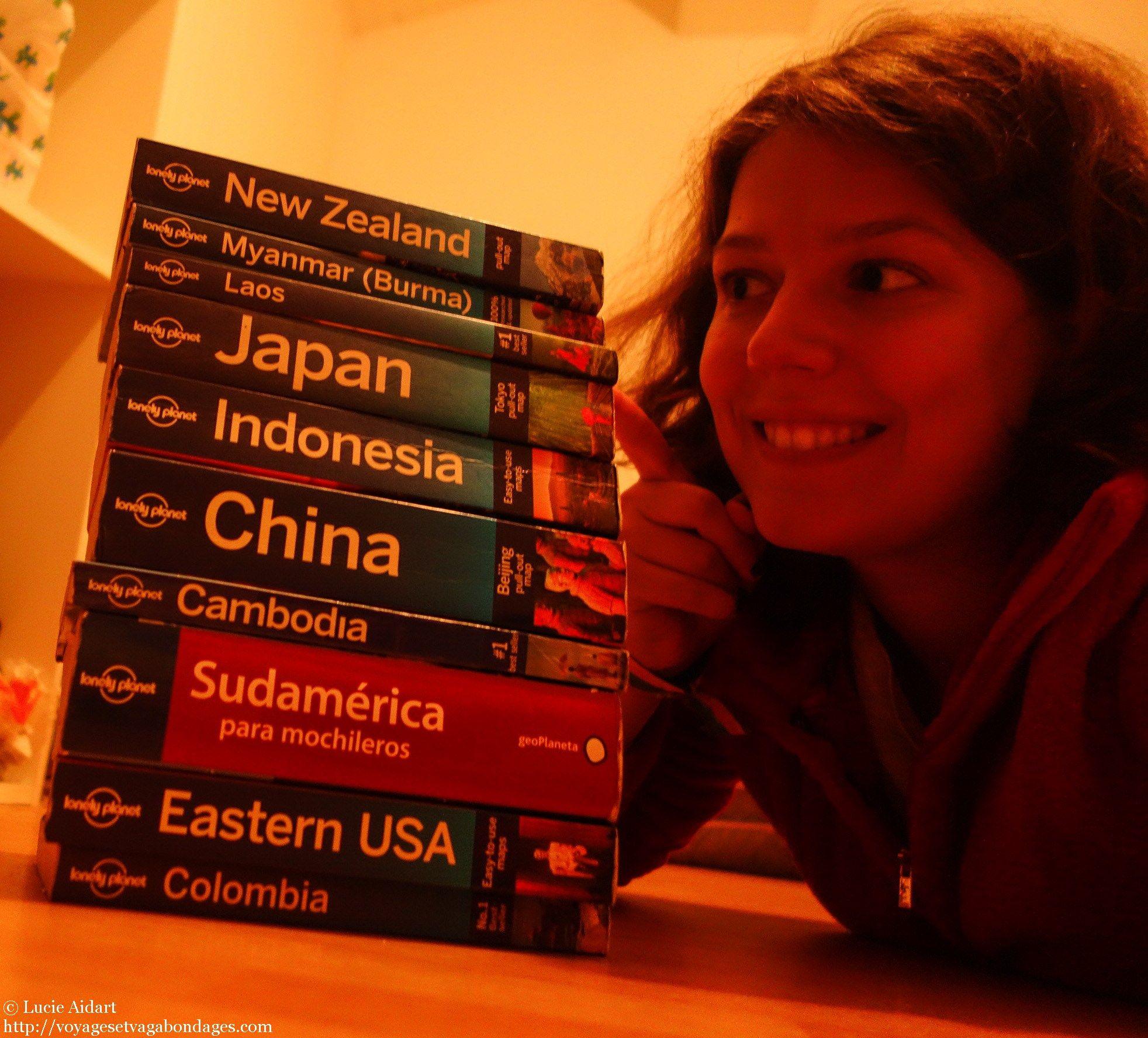 Un tour du monde en chiffres, c'est des milliers de kilomètres, des milliers d'euros, une dizaine de guides de voyage Lonely Planet et de pays, plusieurs tampons de passeports, des rencontres animales étonnantes, de belles rencontres humaines, et bien plus encore...  Tous les chiffres de mon tour du monde sont par ici! http://voyagesetvagabondages.com/2015/01/mon-tour-du-monde-en-chiffres/