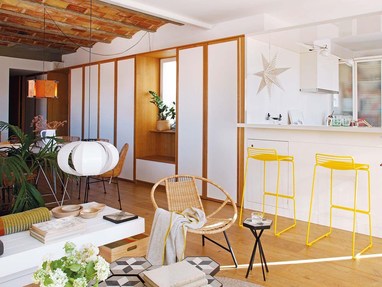 Zomerse woonkamer met keuken bar en eetkamer | 50B | Pinterest ...