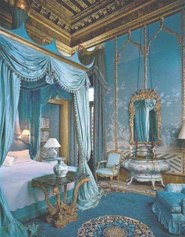 Dromen van een hemelse slaapkamer: 8 keer barok | Bed crown, French ...