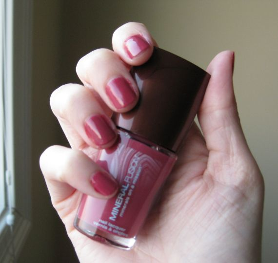 My review of Mineral Fusion nail products- top coat, polish remover ...