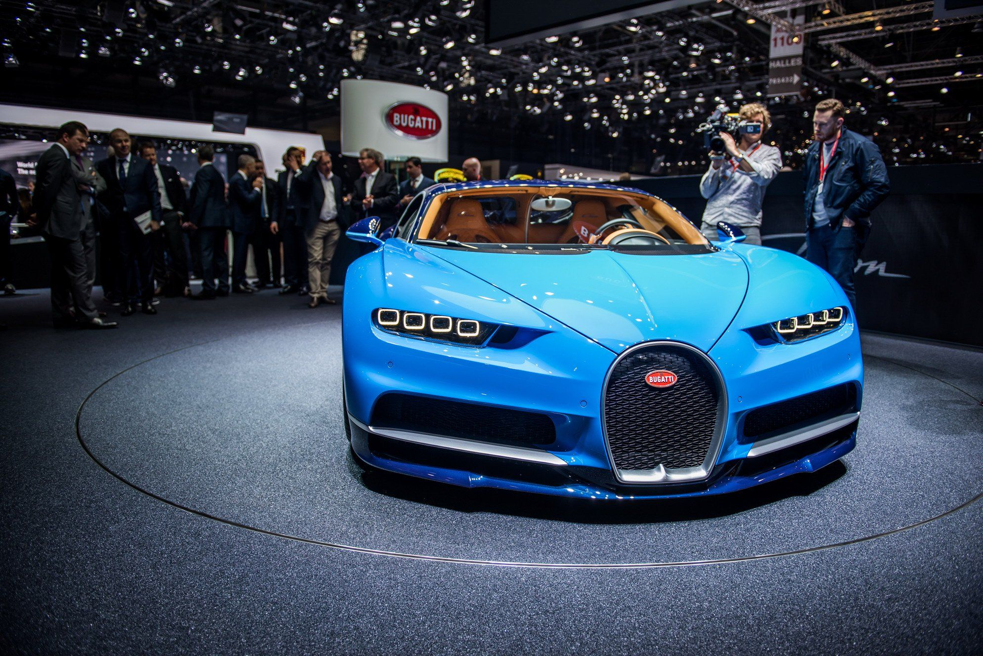 Pin By Best Of World On Top 10 Expensive And Featured Cars Of The World Bugatti Chiron Bugatti Sports Car