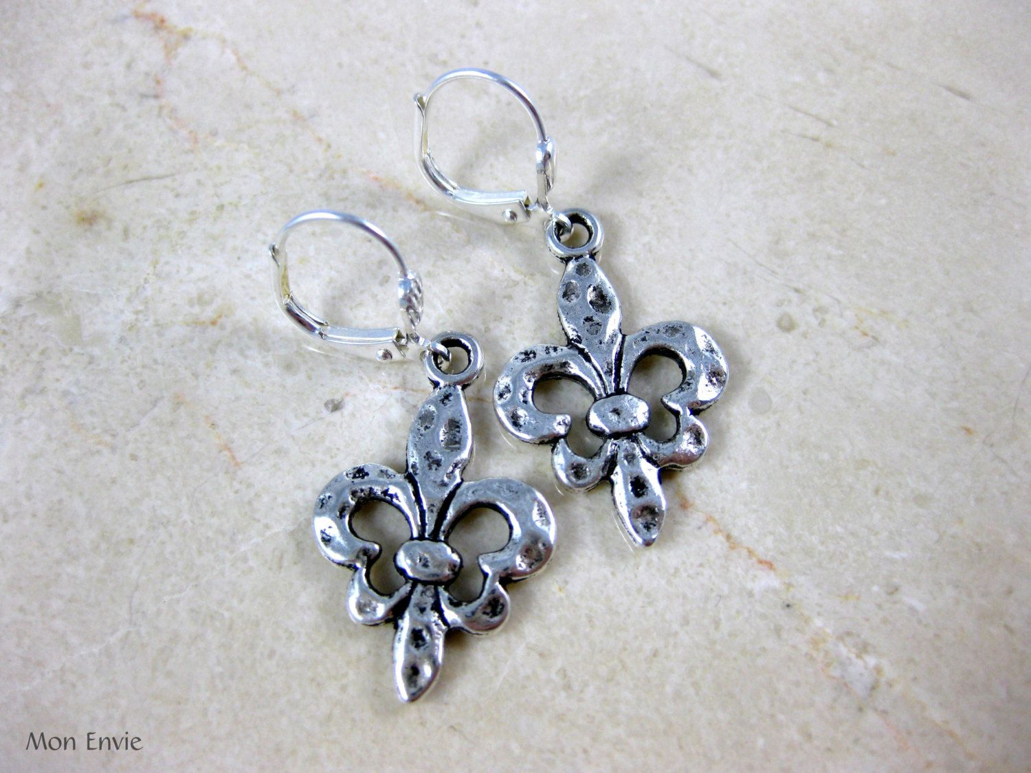 Antiqued Silver Finish Pewter FleurdeLis Dangle Earrings, Hammered Textured Finish. $5.00, via Etsy.