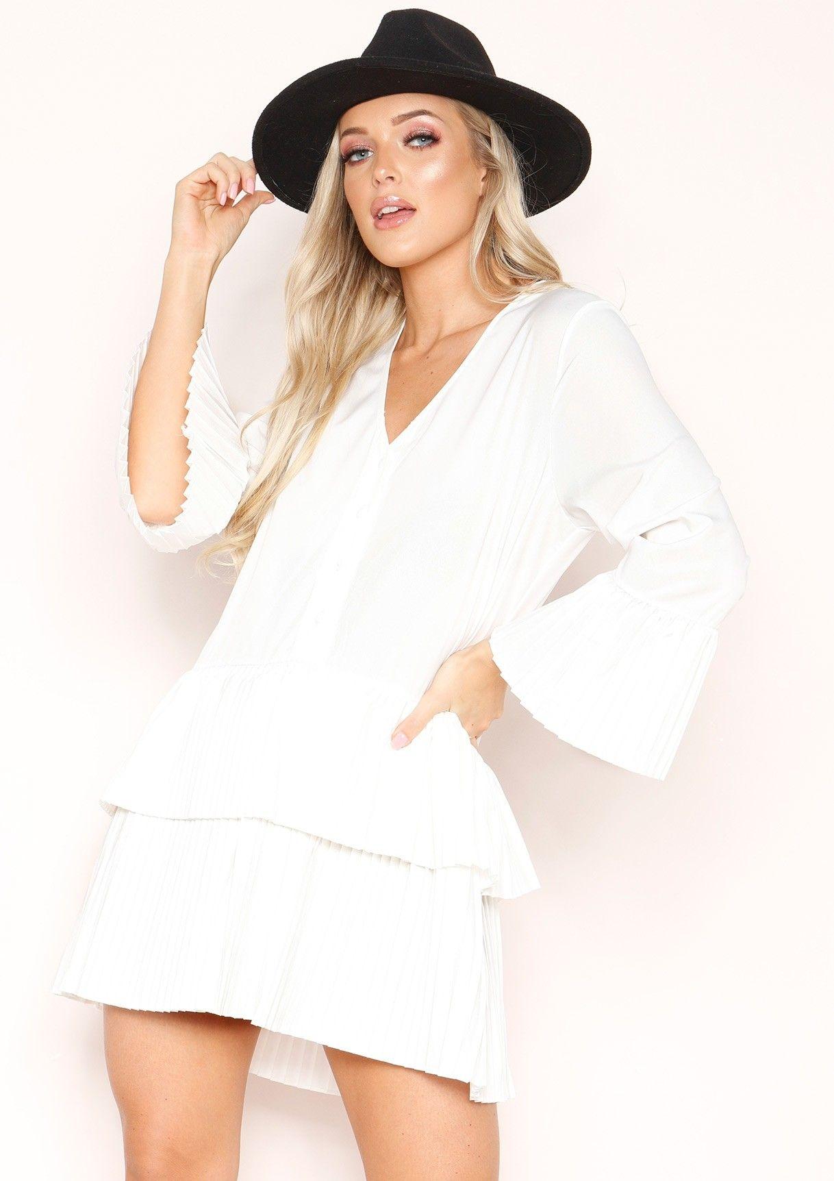 bb601b238b Missyempire - Bobbi White Pleated Smock Dress