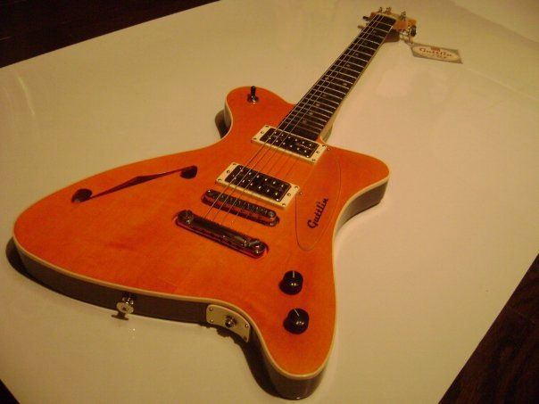 Guttlin Guitars from Hasselt Belgium