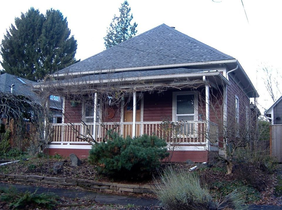 Sellwood S Boom Era Houses Four Square Hip Roof Bungalow Pyramid Porch Gable Photos Gable Roof Design Hip Roof Design House Roof