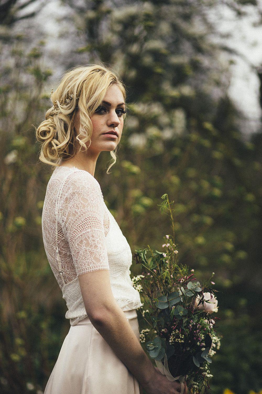 An oh-so-pretty seasonal shoot at Sheffield Botanical Garden ...
