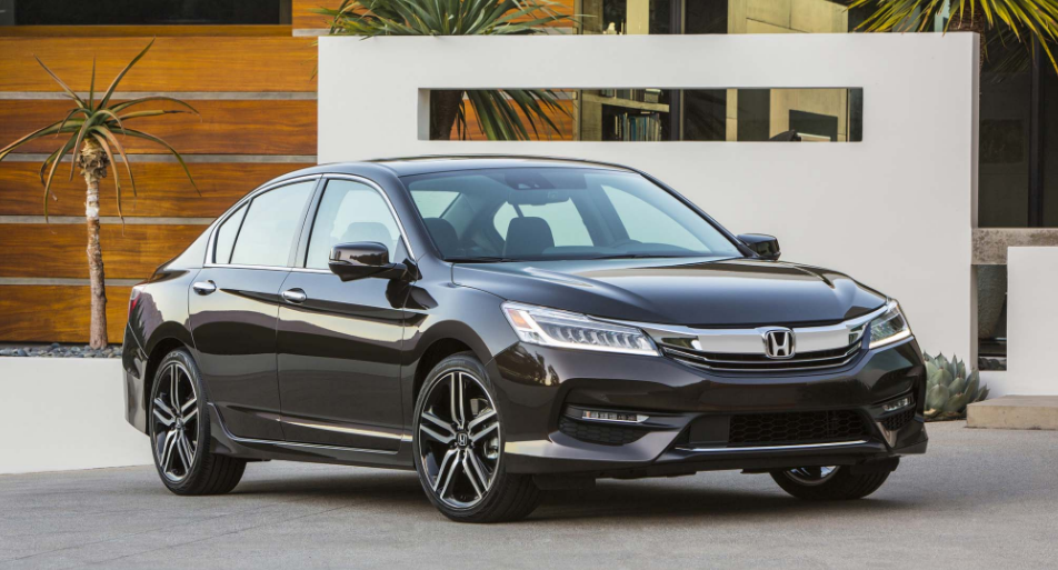 2017 Honda Accord Owners Manual The 2017 Accord Is Mostly Unaffected Despite The Fact That A Sports Spec Best Cars For Teens Honda Accord Honda Accord Sport