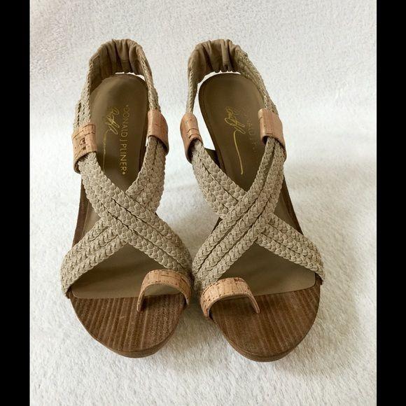 Donald J. Pliner Shoes Like new! Never wear. Perfect for spring or summer Donald J. Pliner Shoes Heels