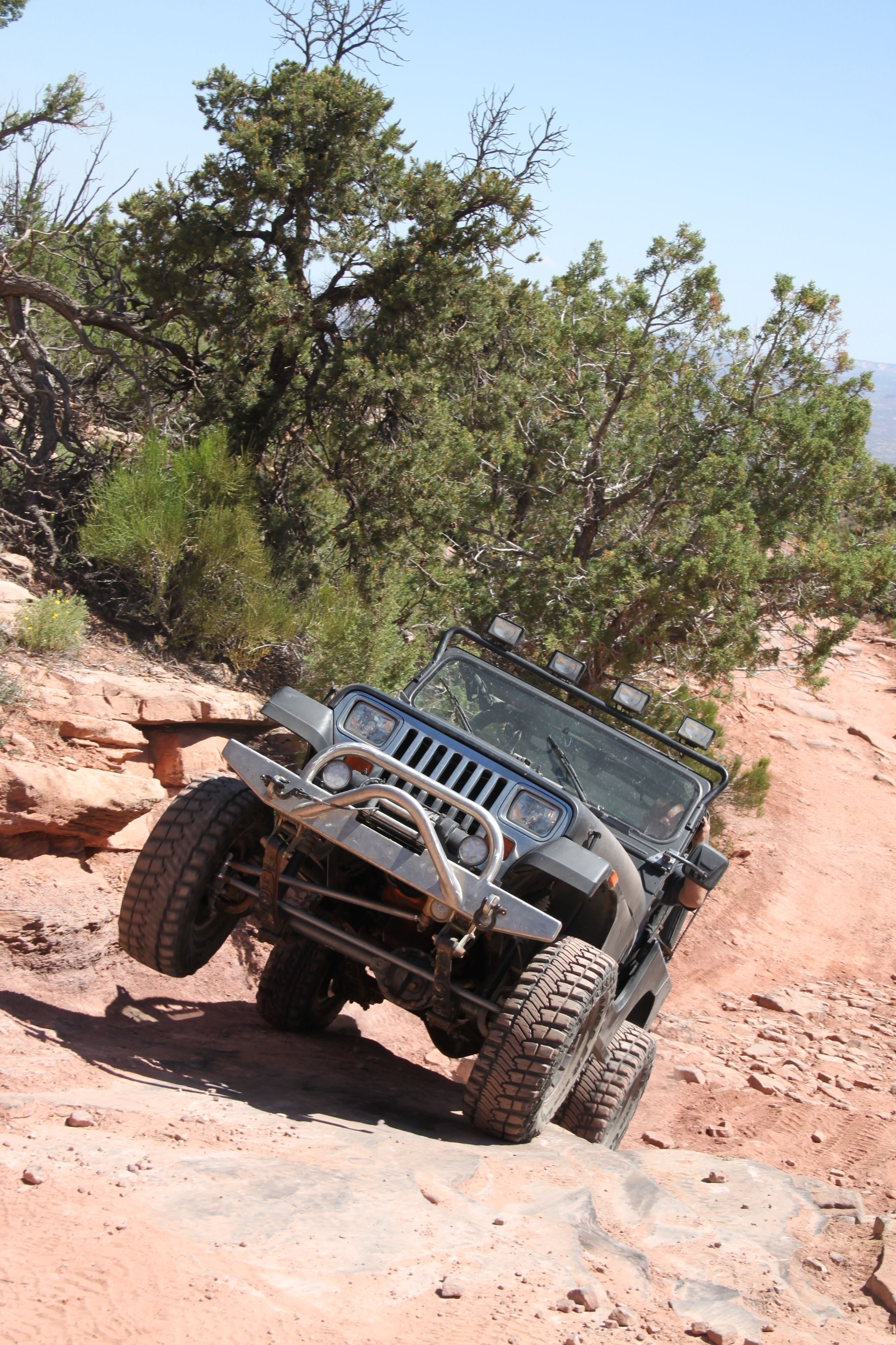 On The Top Of The World Trail Jeep Wrangler Yj Jeep Yj Cool Jeeps