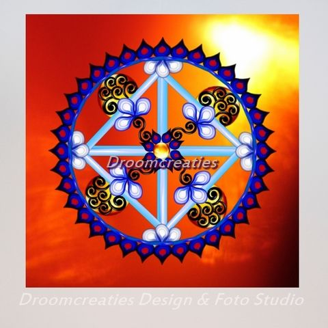 Mandala Equinox De equinox is het rad van de tijd in deze mandala. Hetmoment in de lente enherfst waarop de lengte van de dag en de nacht gelijk zijn, omdat de zonboven de evenaar staat. …