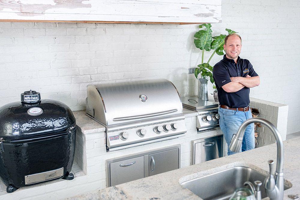 Modern Louisiana Farmhouse Outdoor Kitchen Gallery Bbqguys Outdoor Kitchen Build Outdoor Kitchen Kitchen Gallery