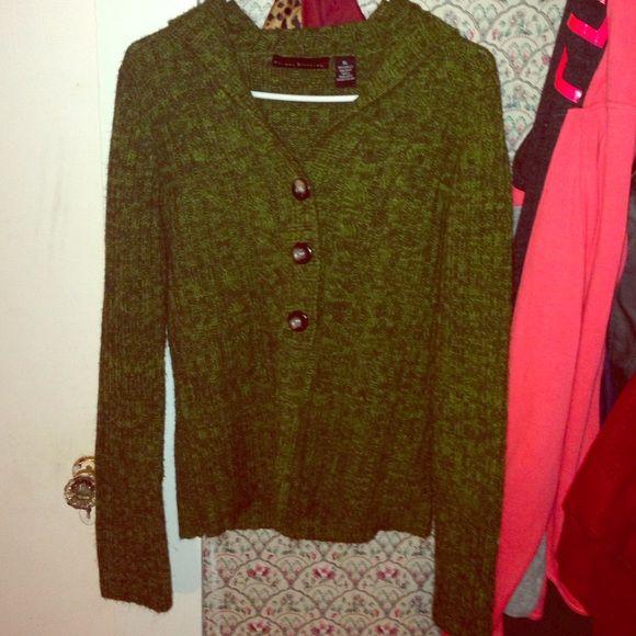 XL LIKE NEW SWEATER CARDIGAN XL LIKE NEW SWEATER CARDIGAN Jackets & Coats