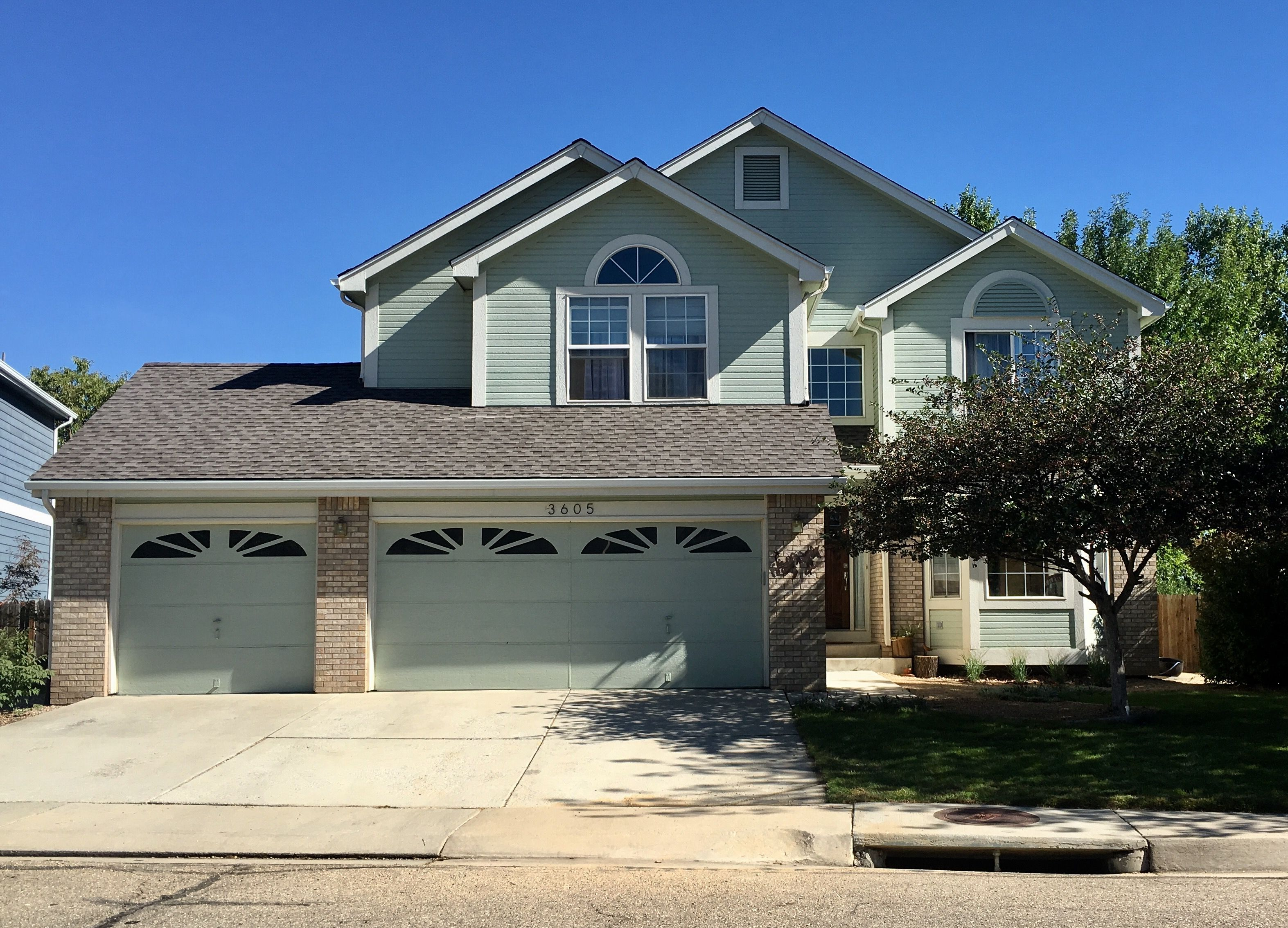 Best This Home In Longmont Has Weathered Wood Shingle On It 400 x 300