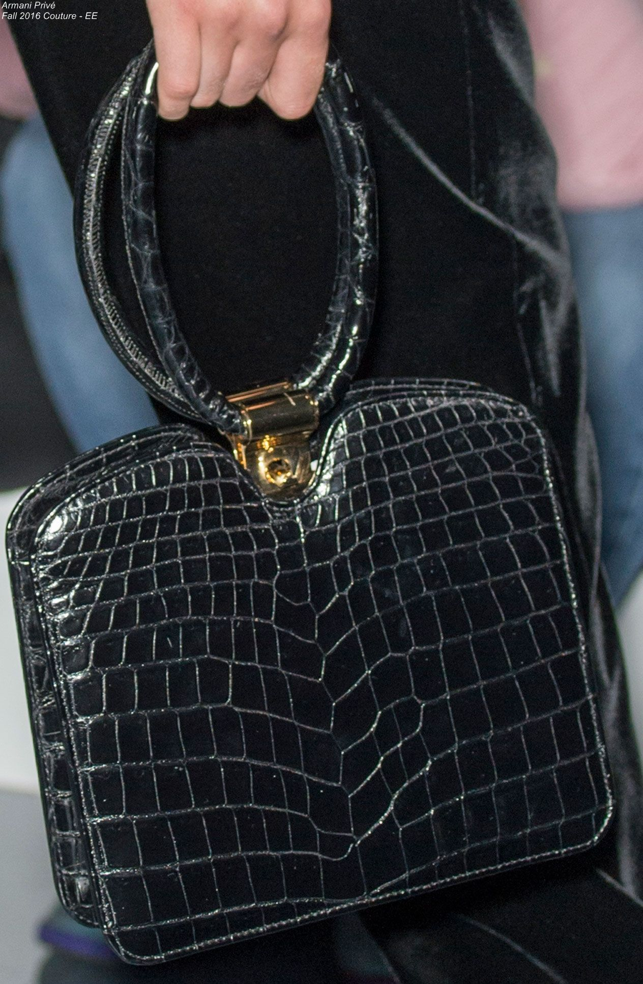653a2d33909 Armani Privé Fall 2016 Couture - EE | Leather bag | Bags, Armani ...
