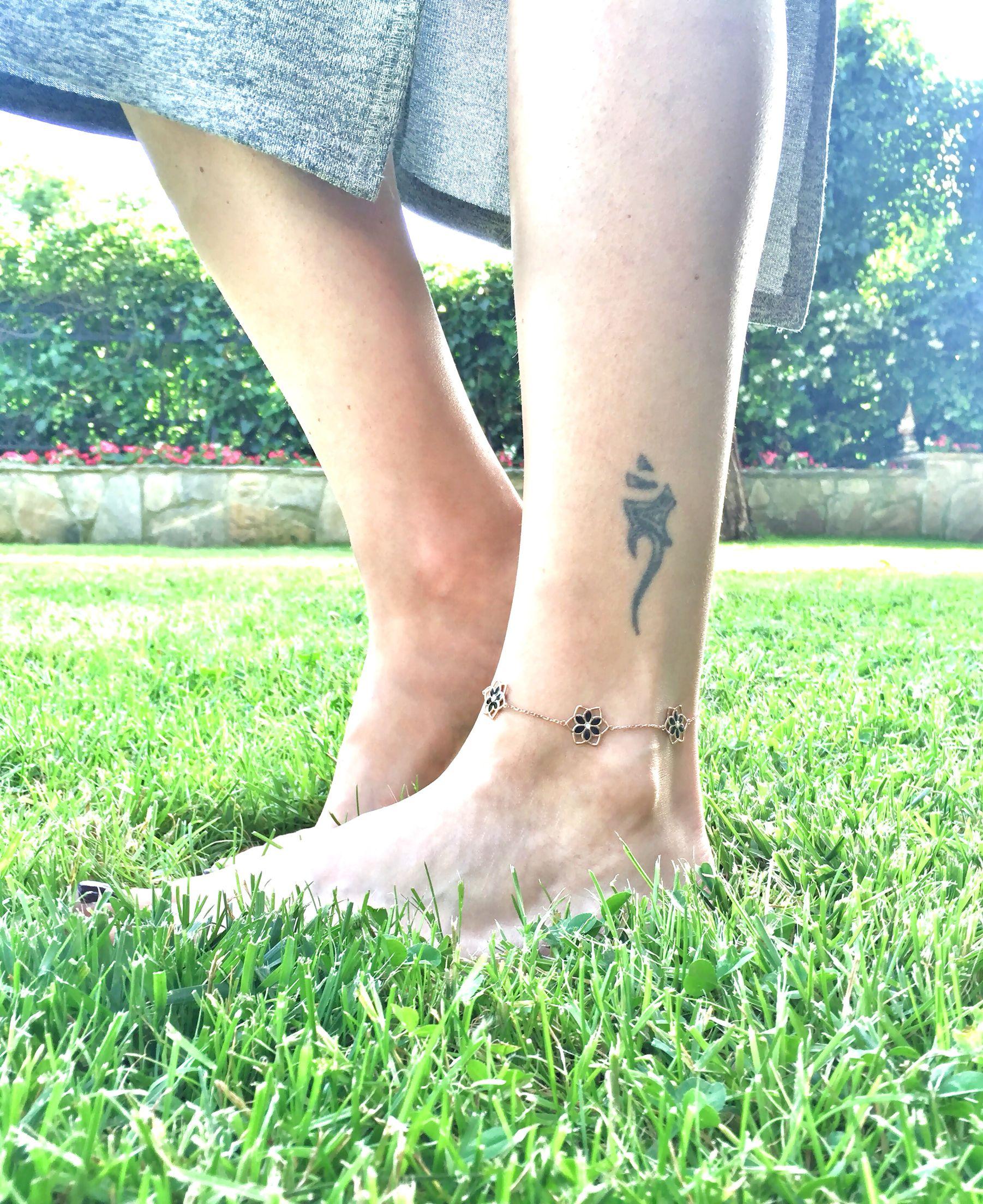 Love flower anklet