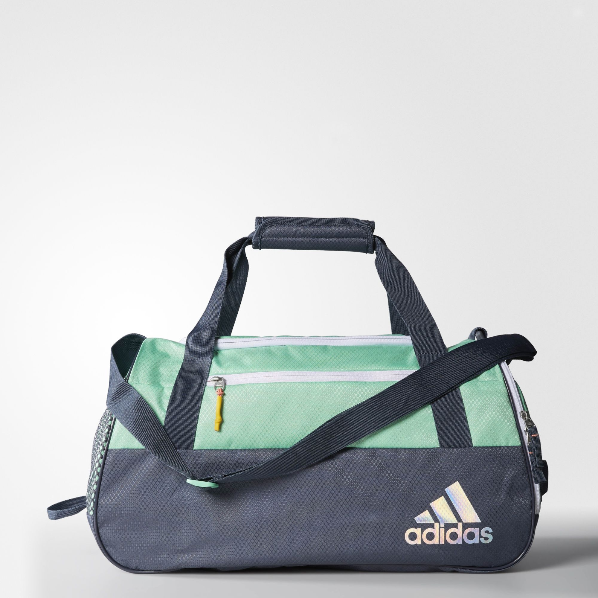 Everything Has Its Place In This Women S Training Duffel Bag A Roomy Main Compartment Gives You Quick Access To Equipment Or Personal Items Bags Adidas Green