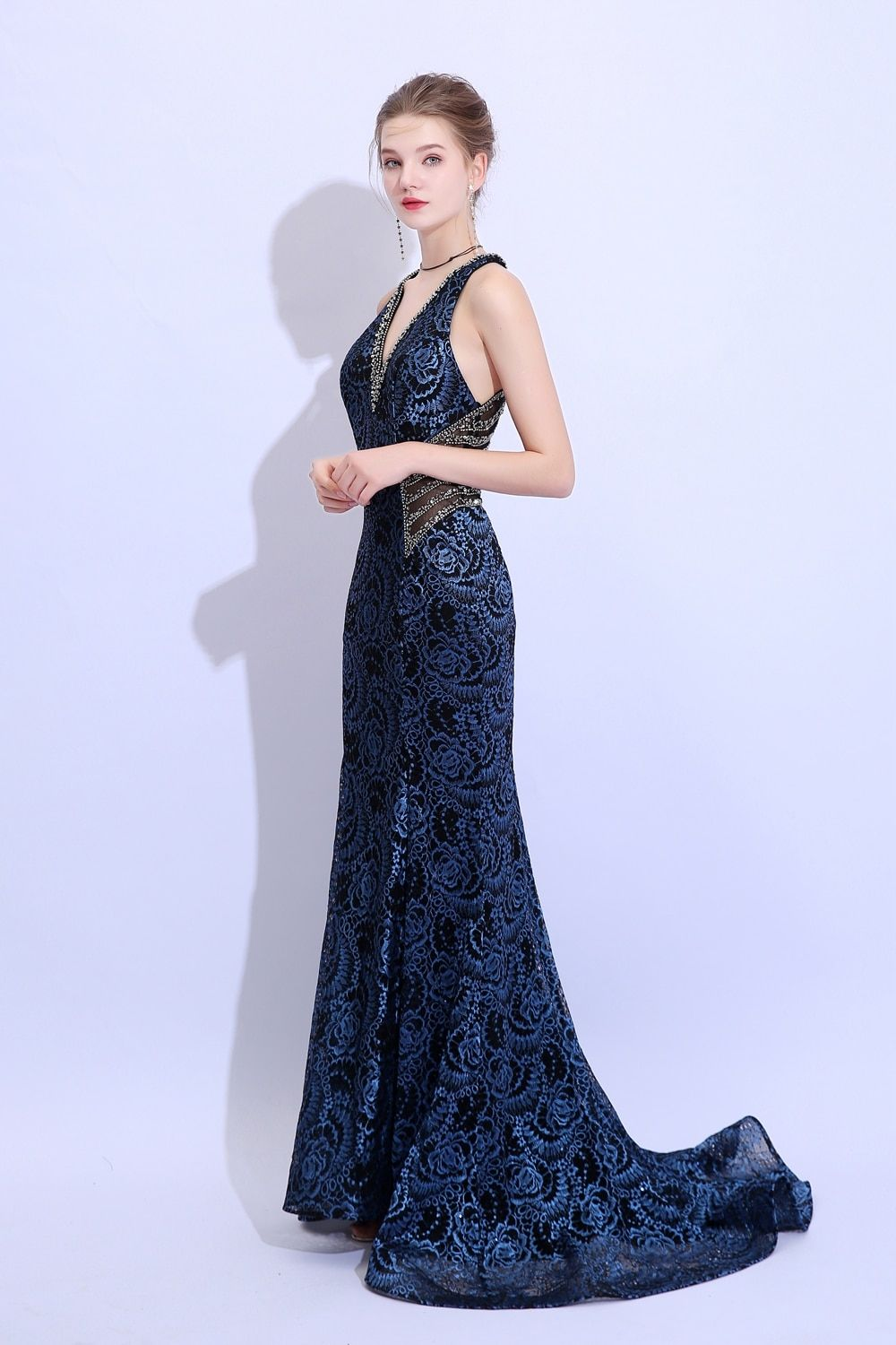 f47efde6fc140 New Lace Mermaid Evening Dress Luxury Sexy Navy Blue Sleeveless Sweep Train  Fishtail Prom Party Gown