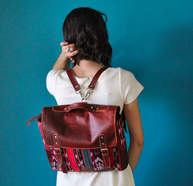 Lookie here! The raddest Computer Bags for MEN and Women!! Comes with a crossbody strap and removable shoulder straps!