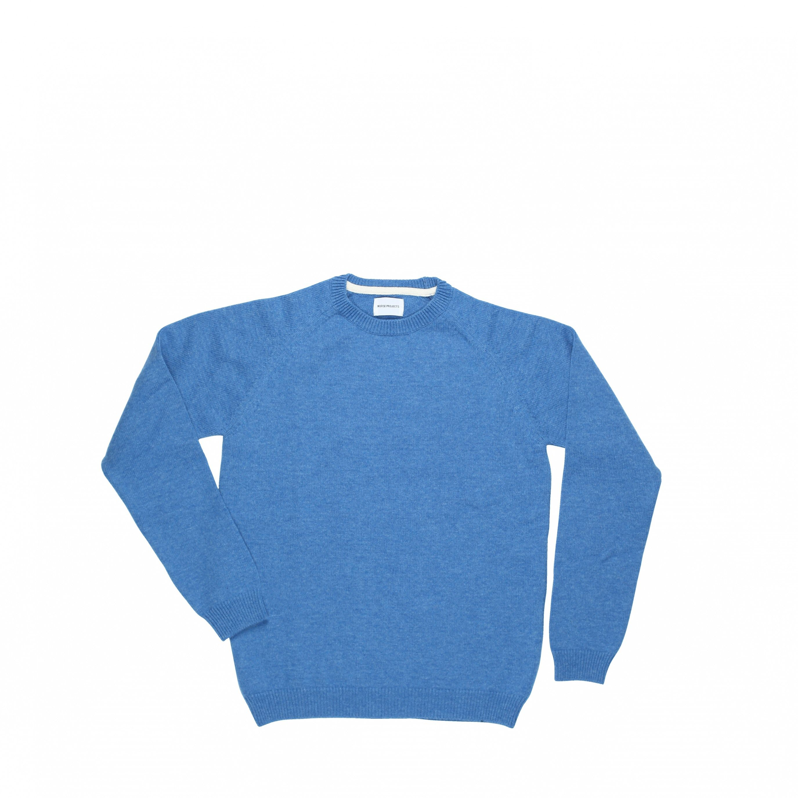 Classic crewneck sweater with raglan sleeves. Made of 10 gg 100% Merino Lambswool from UK. Made in Europe. - Norse Projects
