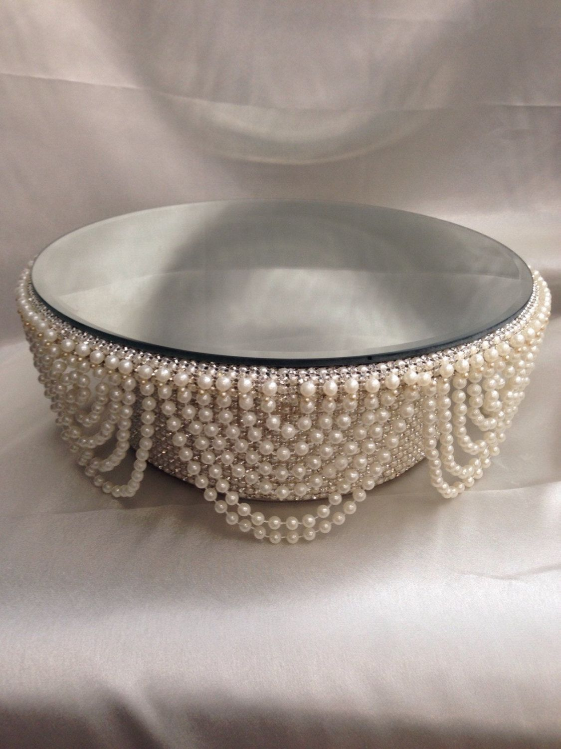 Pearl And Crystals Drape Design Wedding Cake Stand
